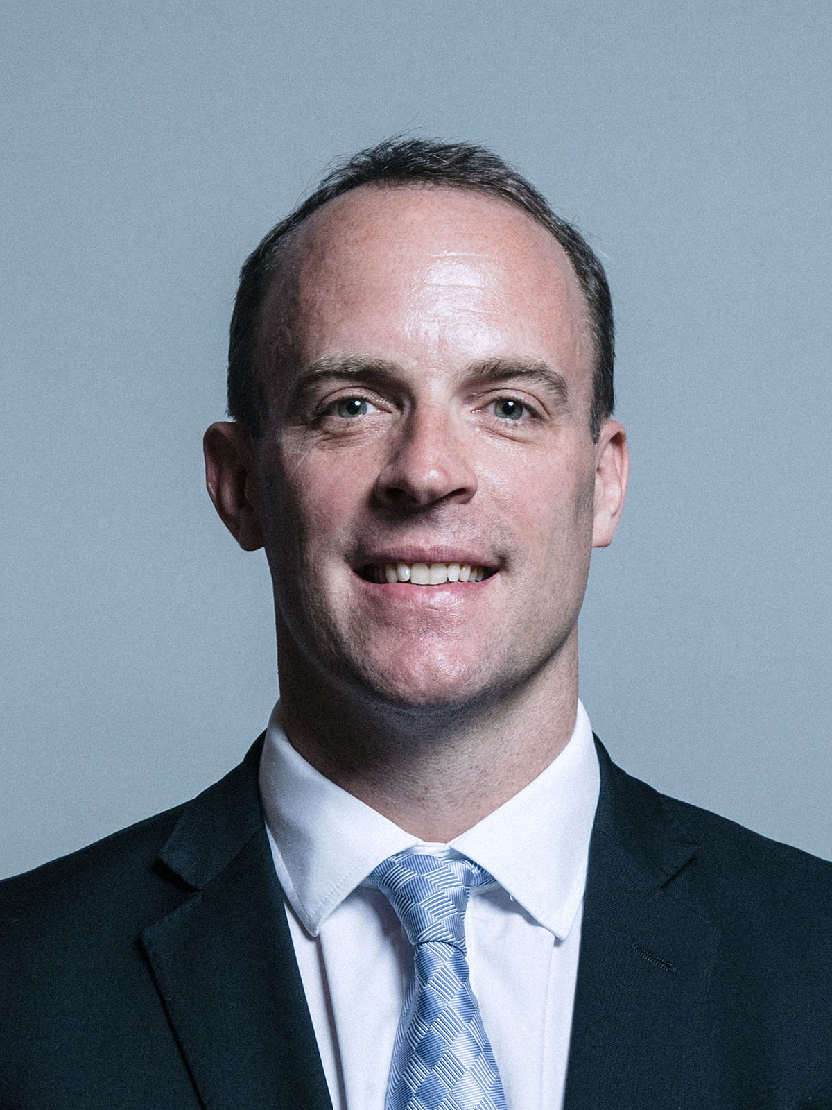 1200px-Official_portrait_of_Dominic_Raab_crop_2.jpg